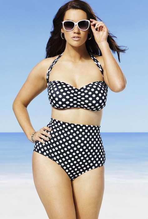 Для жінок з пишними стегнами рекомендується вибирати моделі з однотонними  трусами темного кольору і яскравим різнобарвним бюстгальтером. 9ddd0f351f768