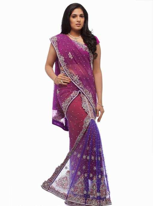... одягом є індійські сукні. Також вони мають певну назву – сарі. Їх  історія обчислюється кількома тисячоліттями. Звичайно ж ff5f727f37781