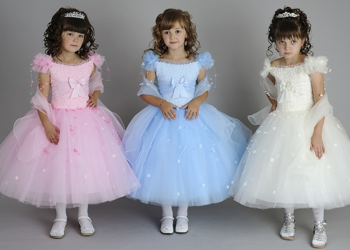 Дитячі сукні на 10-12 років копіюють дорослі моделі. Приміряючи обновку з  серії «Мрія» 8fc82a578aa7b