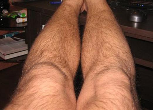 Волосатые ноги голая жена фото мысль