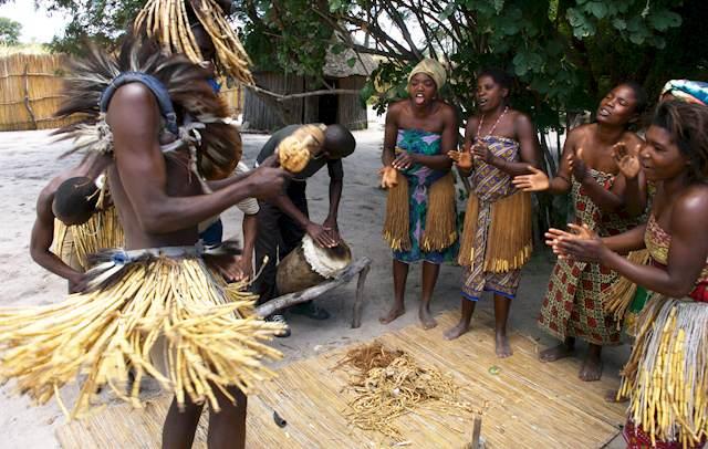 голі африканські племена