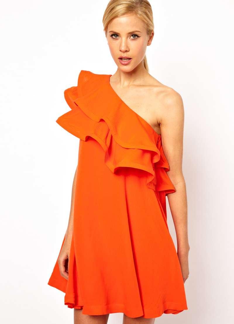 Платье с воланами на одно плечо