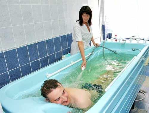 балдеют ванна полезна для поясницы член парня мягко