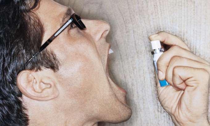 Частые причины запаха изо рта