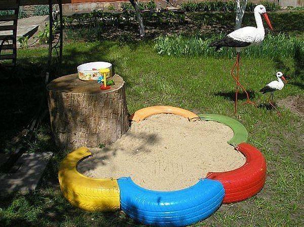 Сделать детскую площадку из подручных материалов фото