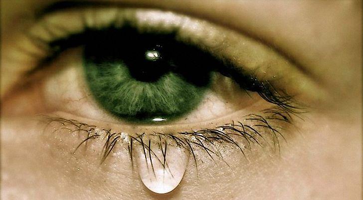Как сделать слёзы из глаз