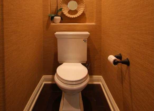 Чем закрыть канализационную трубу в туалете 64