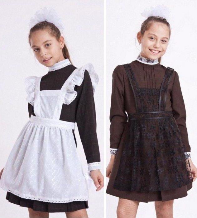 Вперше шкільна (гімназійна) форма для дівчаток з явилася в Росії в 1896 р.  Після революції її оголосили буржуазним пережитком і заборонили. 64a04c960d50d