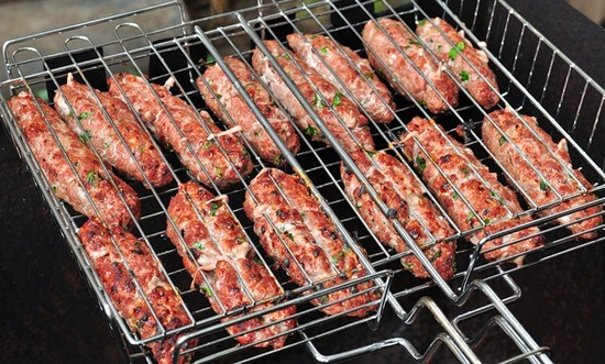 Люля-кебаб в домашних условиях на мангале из говядины 571