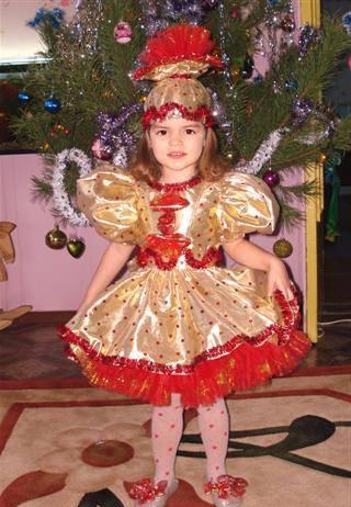 Новорічний костюм цукерочки для дівчинки  моделі і варіанти 7018106008d8b