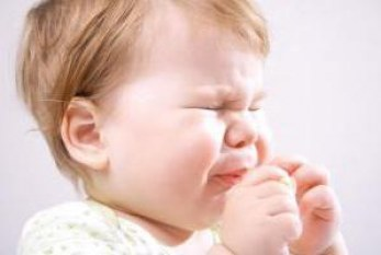 У ребенка 9 месяцев сопли и чихает как лечить