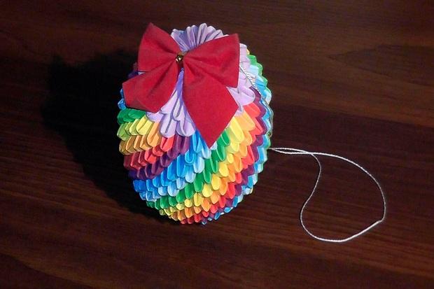 Видео как сделать новогодние игрушки своими руками из бумаги на ёлку