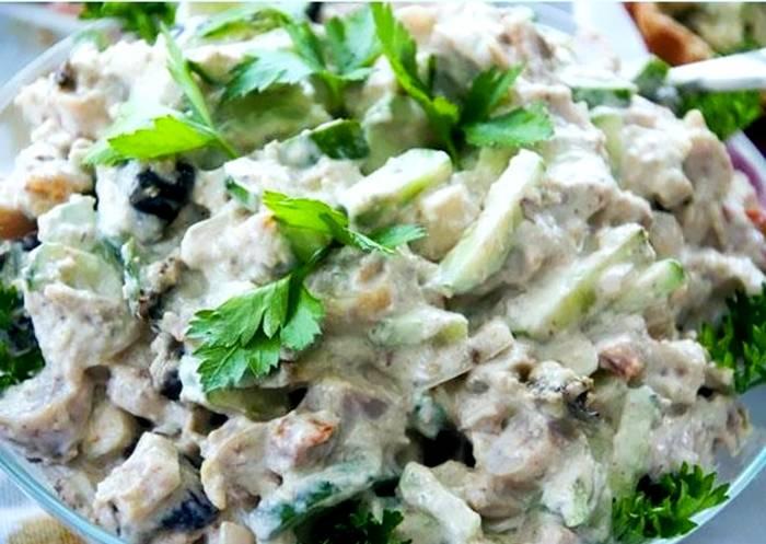Салат с куриной грудкой простой рецепт с огурцом свежим и рецепт с