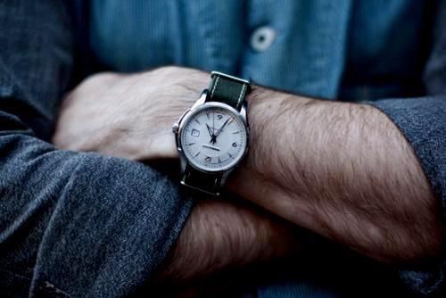 Як підібрати хороший годинник для чоловіка 52288529eb461