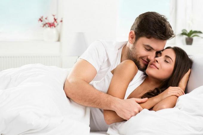 Фотки молоденьких жен любящих секс