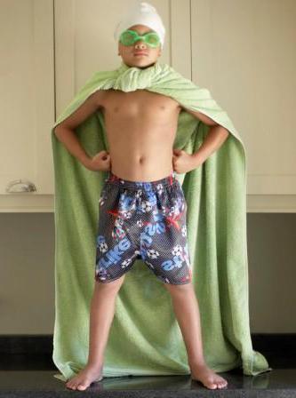 Как сделать своими руками костюм супергероя для мальчика 80