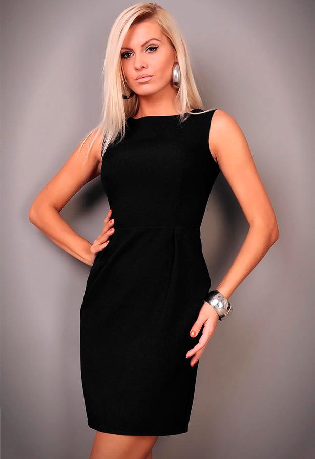 В холодну пору року і міжсезоння можна надіти плаття без рукавів з  затишного трикотажу 62810457597e3