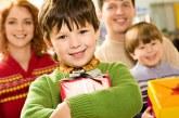 Як вибрати цікаві і корисні подарунки дітям