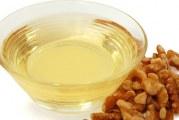 Масло волоського горіха — корисні властивості, протипоказання, застосування для здоров'я волосся і шкіри обличчя