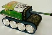 Як зробити танк з пивних банок для чоловічого подарунка?