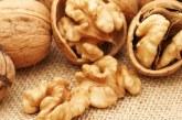 Чим корисний волоський горіх для чоловіків і жінок — властивості і склад, застосування для лікування організму