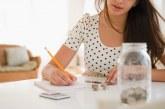 Як навчитися економити гроші і збирати при маленькій зарплаті