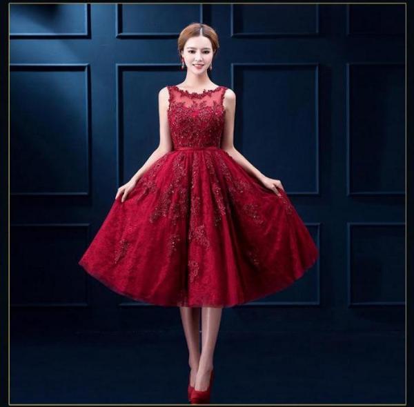 Червоне мереживне плаття  кому підходить і з чим носити 9b610a98d6521
