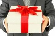 Ділові подарунки для жінок і чоловіків. Правила вибору та вручення ділового подарунка