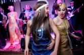 Вечірка в стилі Гетсбі: модний одяг та зачіски для жінок і чоловіків з фото, сценарії та конкурси, музика епохи фільму