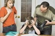 Потрібно лаяти дітей за погані оцінки
